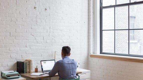 4 Hal yang Membuat Kerja dari Rumah Menjadi Tidak Produktif